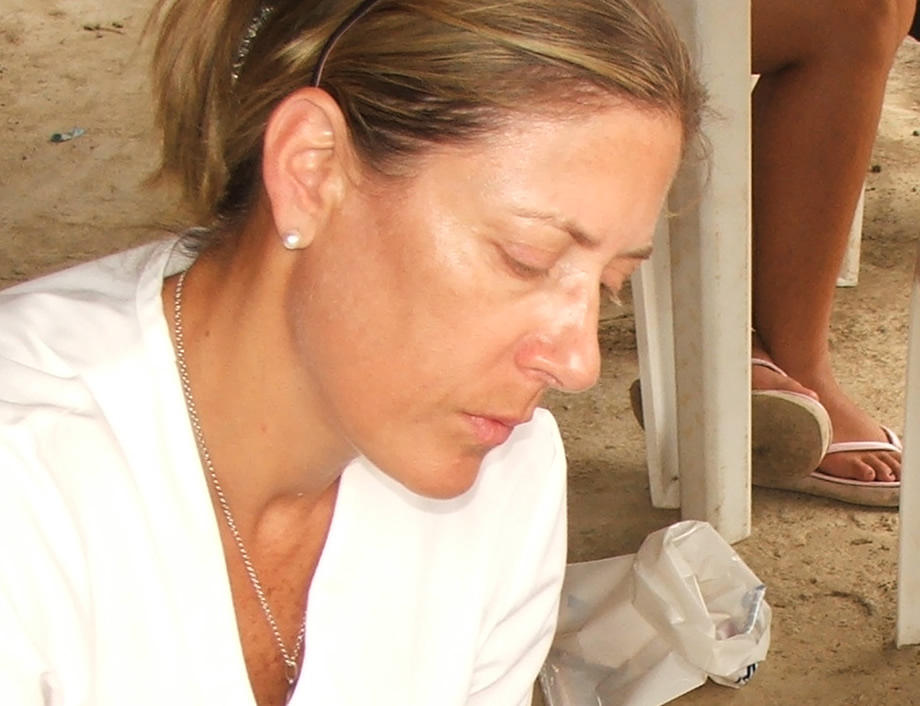 [VIDEO] Conferencia de la Doctora Annabella Azin de Noboa sobre Nutricion y Salud [21-JUN-2012]