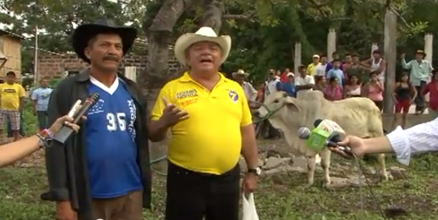 Álvaro Noboa Apoya La Agricultura Y Ganadería