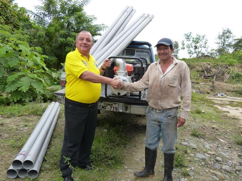 Álvaro Noboa Supports Farmers