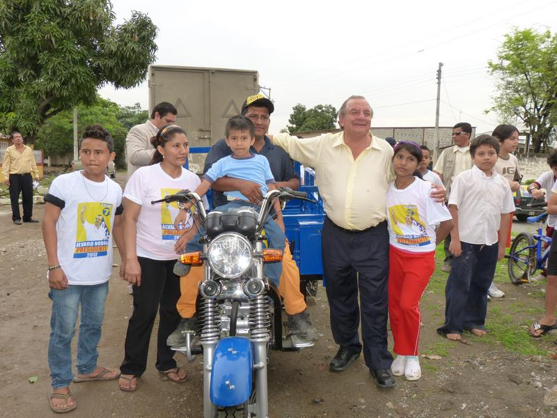Álvaro Noboa Donates A Delivery Bike In Order To Create Employment