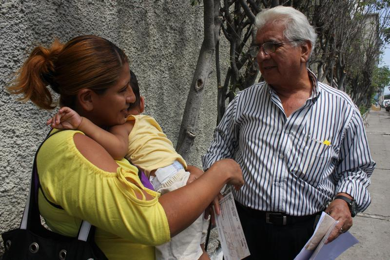 Fundación Cruzada reitera ayuda a familias en Guayaquil