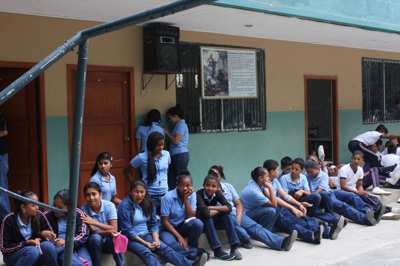 foundation cruzada founded alvaro noboa help students
