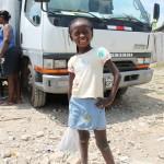 alvaro noboa continua ayudando gente pobre medicina gratis