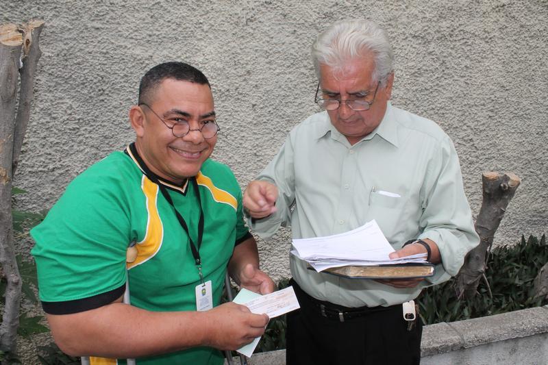 FCNH entregó cheques a los más necesitados