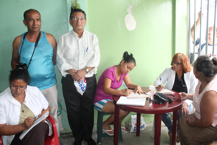 Fundación de Álvaro Noboa llega con ayuda al sur de la ciudad