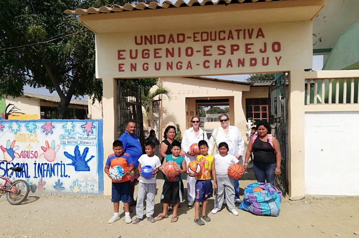 Medical Visit at Engunga 2018 by Dr. Annabella Azín de Noboa and Dr. Jenny Arteaga