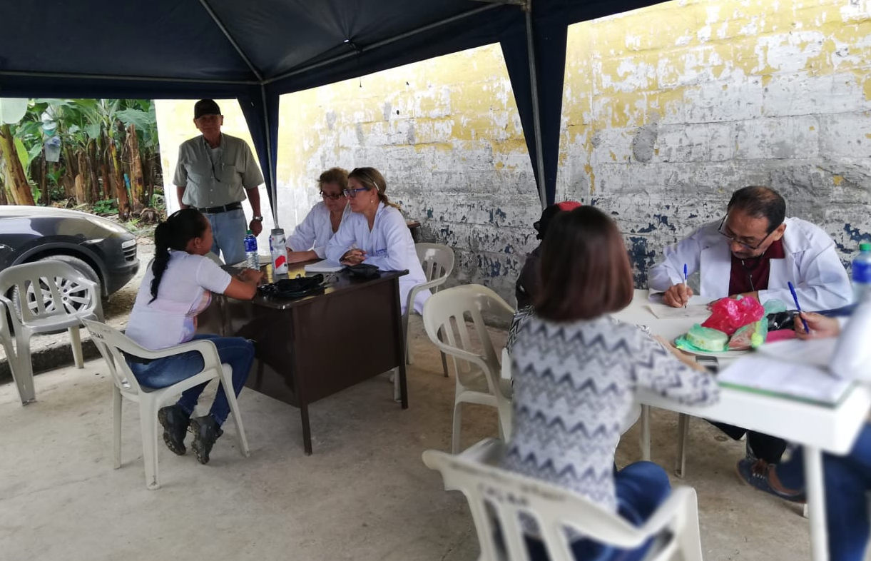 Medical Visit at Ventanas 2018 with Dr. Wilmer Díaz, Dr. Annabella Azín de Noboa and Dr. Jenny Arteaga.