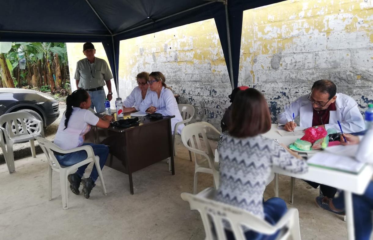 Visita Médica en Ventanas 2018 con el Dr. Wilmer Díaz, Dra. Annabella Azín de Noboa y la Dra. Jenny Arteaga